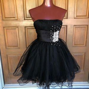 Sherri Hill Strapless Black Short Prom Dress size4